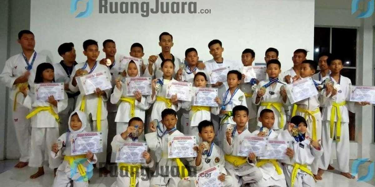 Rebut 7 Emas Di Kejuaraan Teakwondo