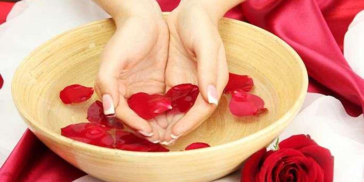 Beragam Manfaat Air Mawar untuk Kecantikan Kulit dan Rambut